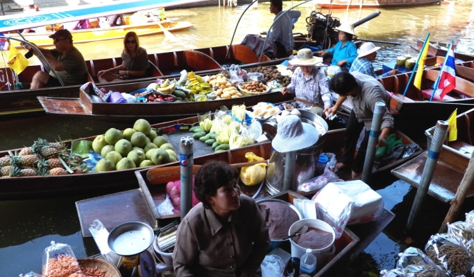 Damnoen Saduak Floating Market Tour (+Elephant Ride Option)