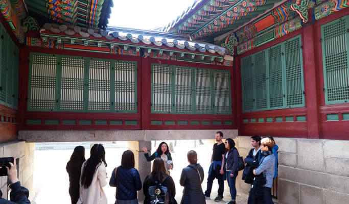 Seoul by Foot: Walking Tour in Deoksugung Palace & Jeongdong - Outdoor Library of Modern Korean History