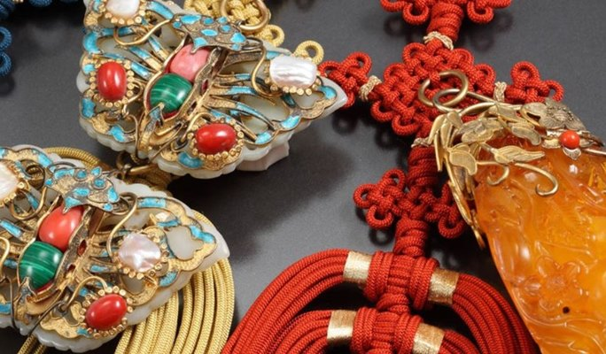 Traditional Knot Ornament Making Experience in Bukchon Hanok Village