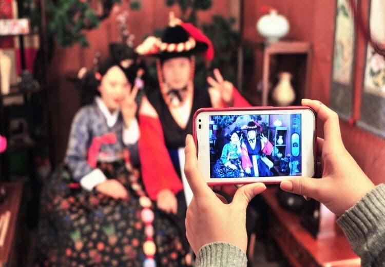 Traditional Korean Hanbok Experience at Goguan Studio