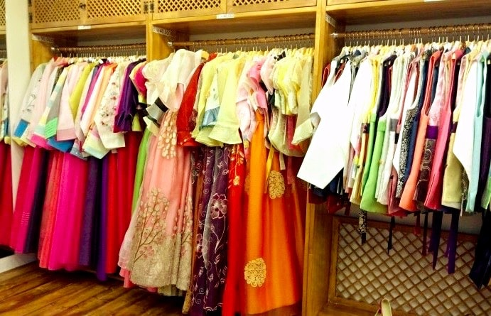 Korean Hanbok Rental For One Day In Seoul Korea Near Gyeongbokgung