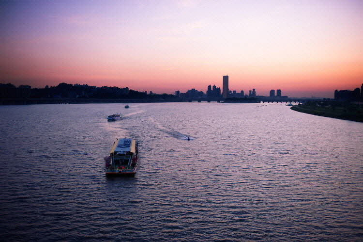 Han River E-land Ferry Cruise (Day & Night)