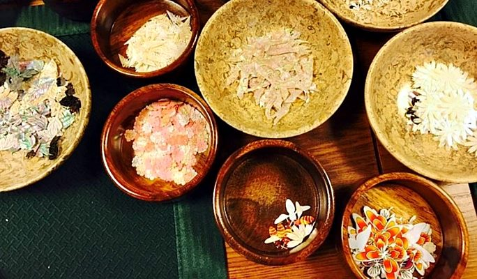 Traditional Mother-of-Pearl Lacquerware Craft Experience