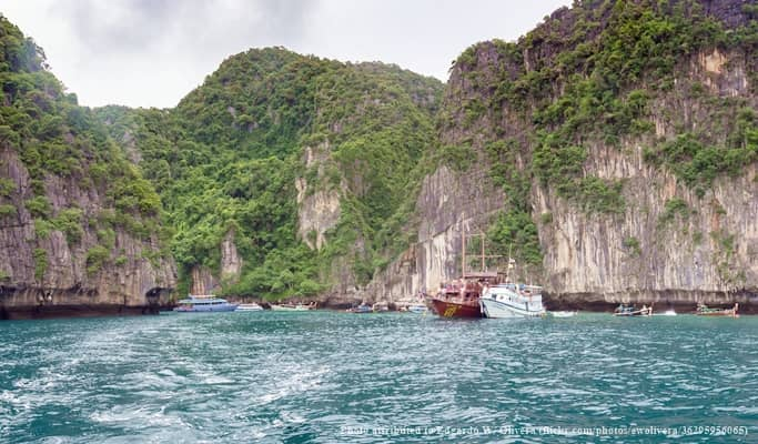 Phi Phi Islands 1 Day Tour by Speedboat (+Lunch/Snorkeling) - from Krabi