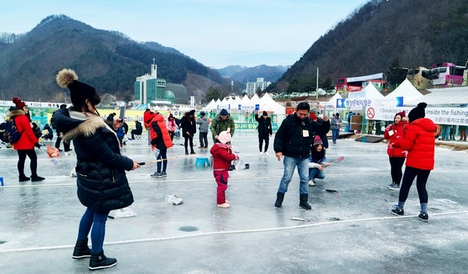 2018 Hwacheon Sancheoneo Ice Festival: Shuttle Bus Package (Jan 6~28)