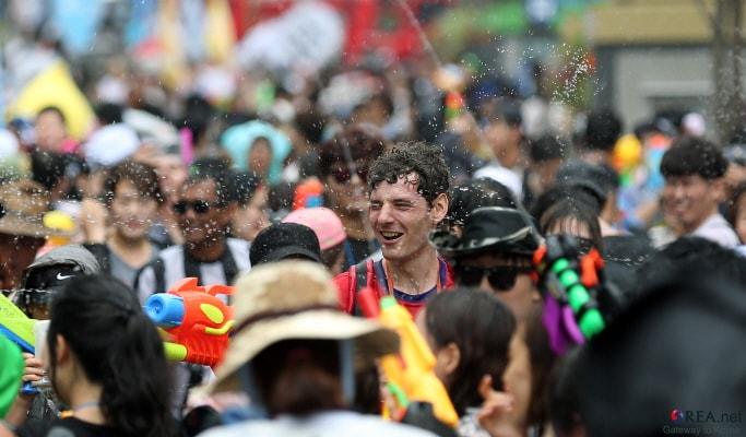 2017 Water Gun Festival in Sinchon (July 29~30)