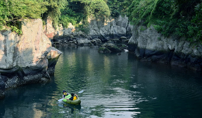 Kayaking in Yongyeon Pond, Jeju Island
